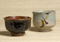 茶碗2種 左より河井寬次郎(1960年頃) 濱田庄司作(1955年)