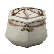 辰砂花文六角陶筥 1937年